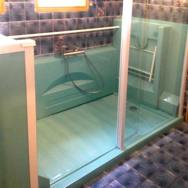 Douche Access Initiale turquoise pastel Senior Bains
