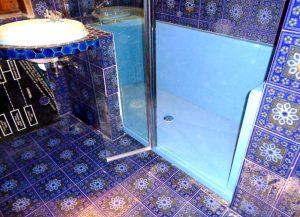 Installation d'une douche confort pack bleu clair