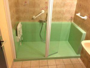 Installation d'une douche confort pack verte et blanche