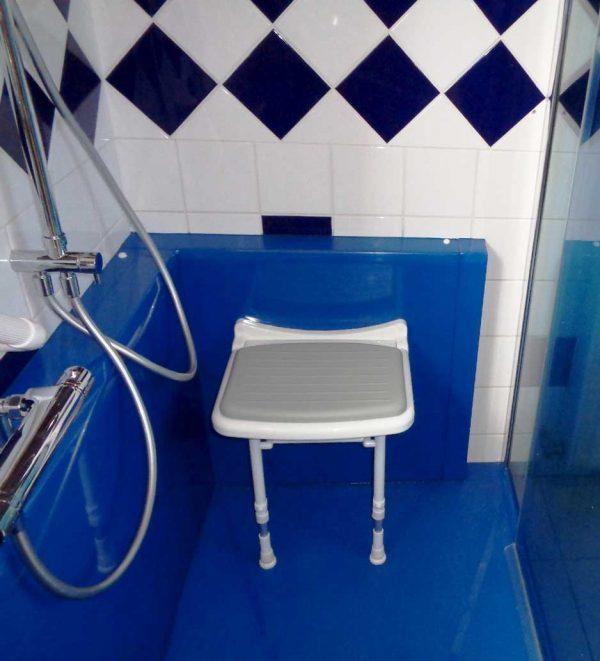 Sièges de douche rabattables