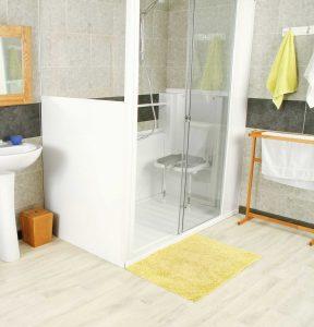 installation d'une douche sur mesure senior bains