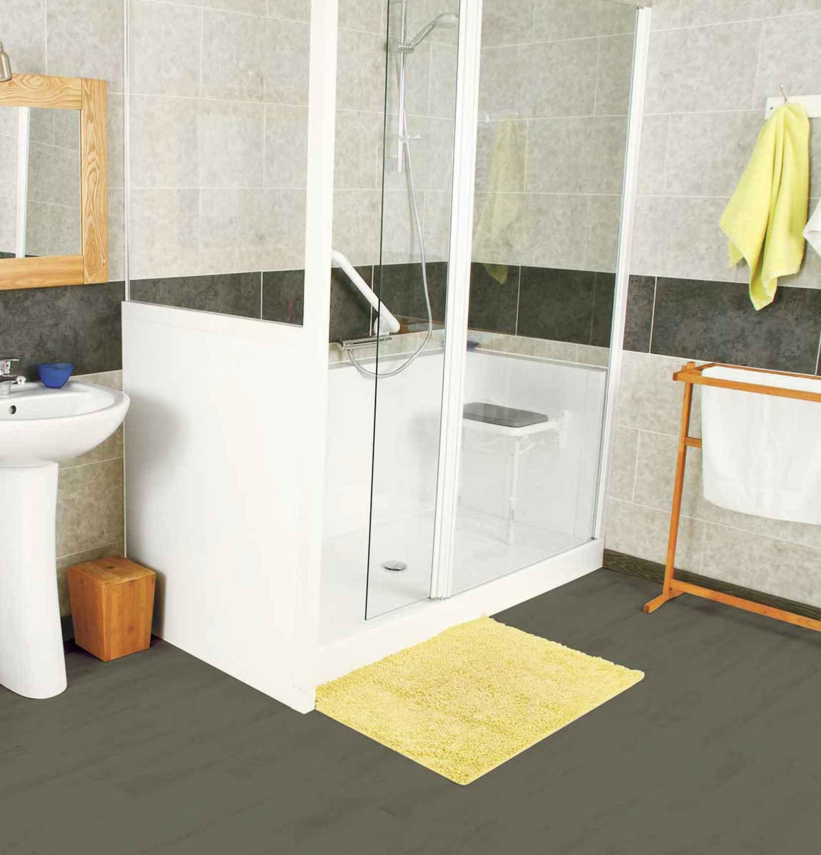 Douche senior, cabine de douche pour personne à mobilité réduite
