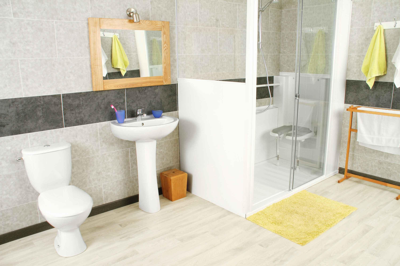 remplacer votre baignoire par une douche en 1 journ e avec senior bains. Black Bedroom Furniture Sets. Home Design Ideas