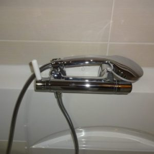 Robinetterie adaptée douche senior bains