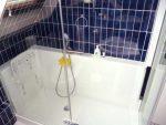 Installation d'une douche senior Confort dans une soupente