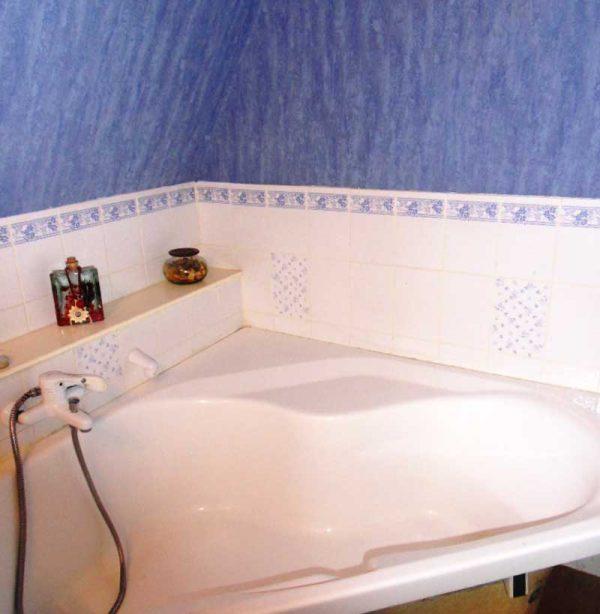 Installation d'une baignoire à porte Vallon en remplacement d'une baignoire d'angle