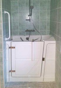 Baignoire à porte vallon 117 pour petite salle de bain Senior Bains