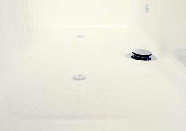 Revêtement antidérapant baignoire à porte