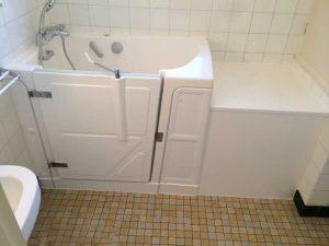 Installation baignoire à porte vallon 117 Senior Bains