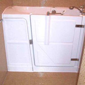 Installation d'une baignoire à porte Vallon XL en remplacement d'une baignoire classique et d'un bidet