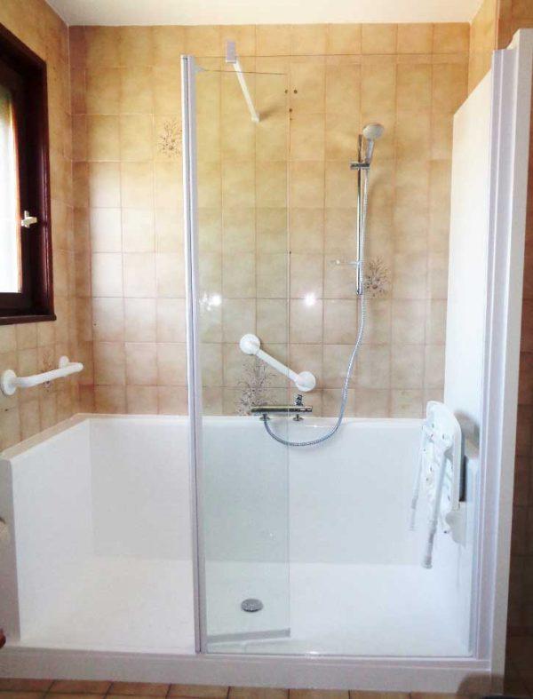 Installation d'une douche sur mesure CONFORT adaptée à toutes les envies
