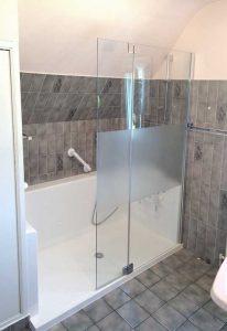 Installation d'une douche confort dans un petit espace