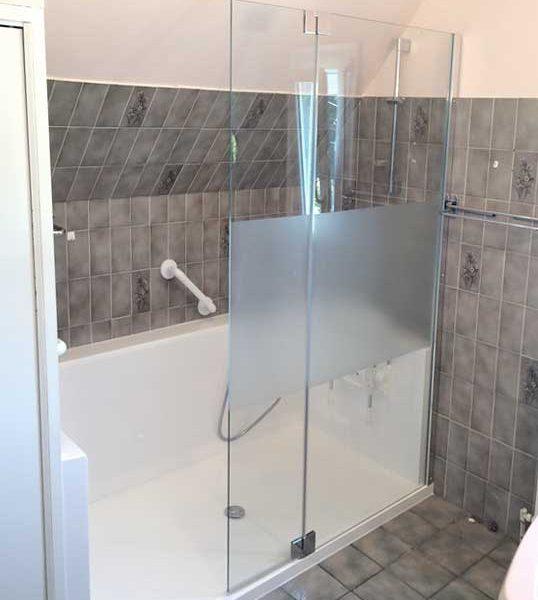 Installation d'une douche senior CONFORT avec seuil d'accès très bas