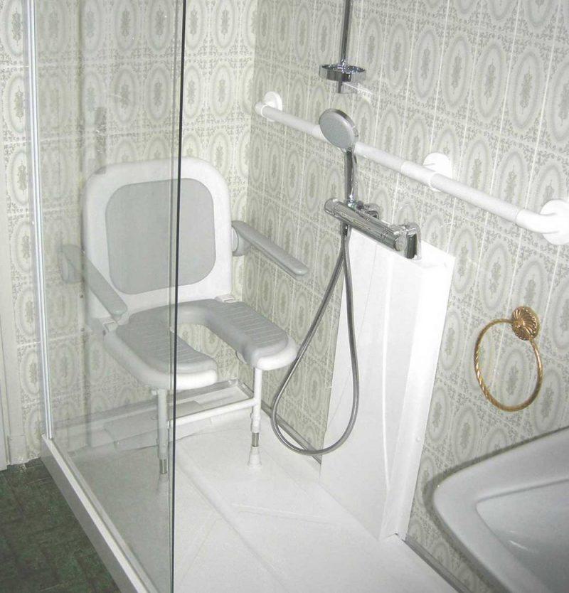douche senior cabine de douche pour personne mobilit r duite senior bains. Black Bedroom Furniture Sets. Home Design Ideas