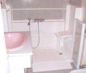 Installation d'une douche senior Access avec rampe d'accès