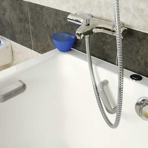 Accessoires pour baignoire et douche senior siege for Accessoire baignoire