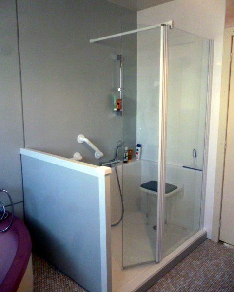 Installation d'une douche sécurisée en remplacement d'une douche
