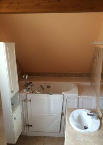 baignoire-a-porte-petite-salle-de-bain (2)