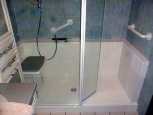 douche-senior-confort-en remplacement-baignoire