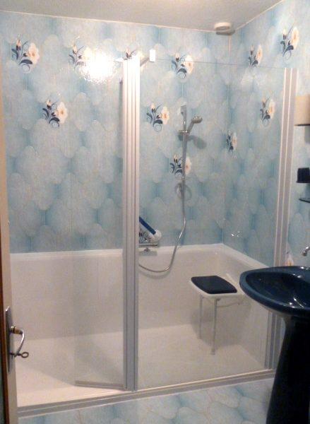 Installation douche Confort barres bleues